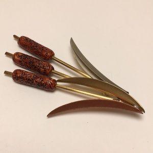 Jewelry - Cat Tail Pin